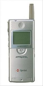 Первый телефон со встроенным mp3 плеером Samsung SPH-M100