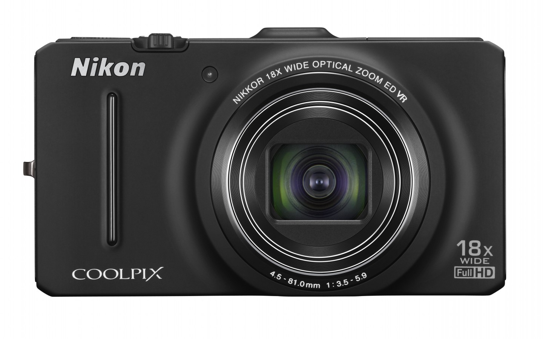 Фронтальный вид Nikon Coolpix S9300