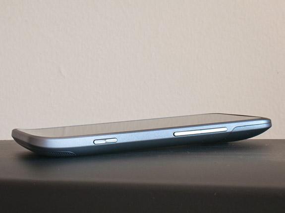 правая сторона HTC Titan II