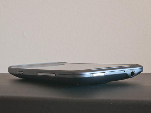 сверху HTC Titan II