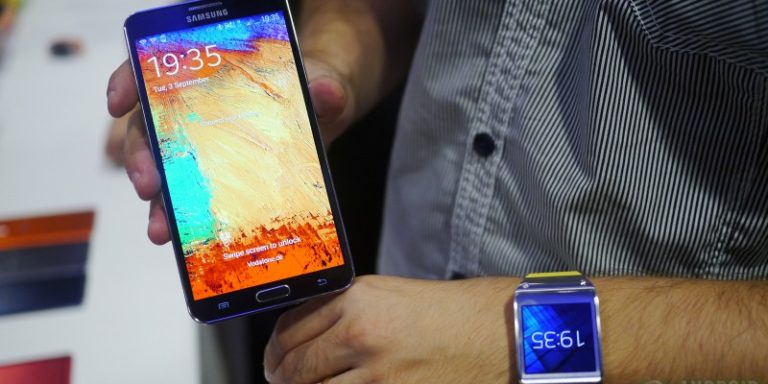 Samsung Galaxy S4 и Galaxy Gear