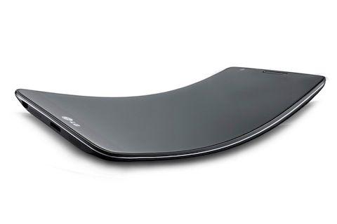 """На самом деле это """"изогнутый"""" LG G2. Как будет выглядеть новинка пока не известно"""