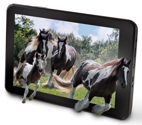 Hammacher-3D-Tablet-Requires-No-Glasses-to-Use-406772-2