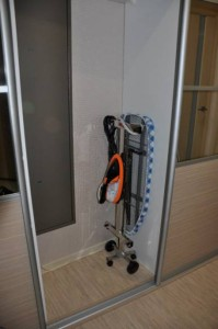 Отпариватель с гладильной доской MIE Compatto в сложеном состоянии