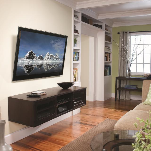 Как подвесить телевизор на стену своими руками