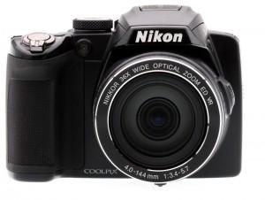Фотокамера Nikon Coolpix P500. Вид спереди.