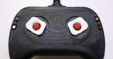 Игровой контроллер с тактильным откликом