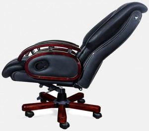 Компьютерное кресло с множеством регулировок