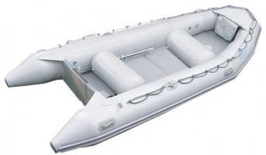 Надувная ПВХ лодка белого цвета для рыбной ловли