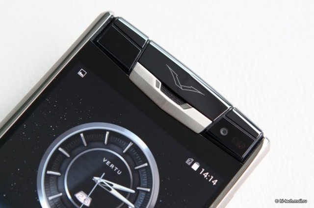 Vertu Signature Touch смартфон