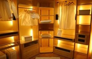 шкафы купе с подсветкой
