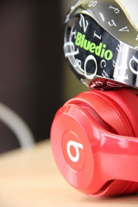 Beats Solo 2 Wireless & Bluedio A (Air)